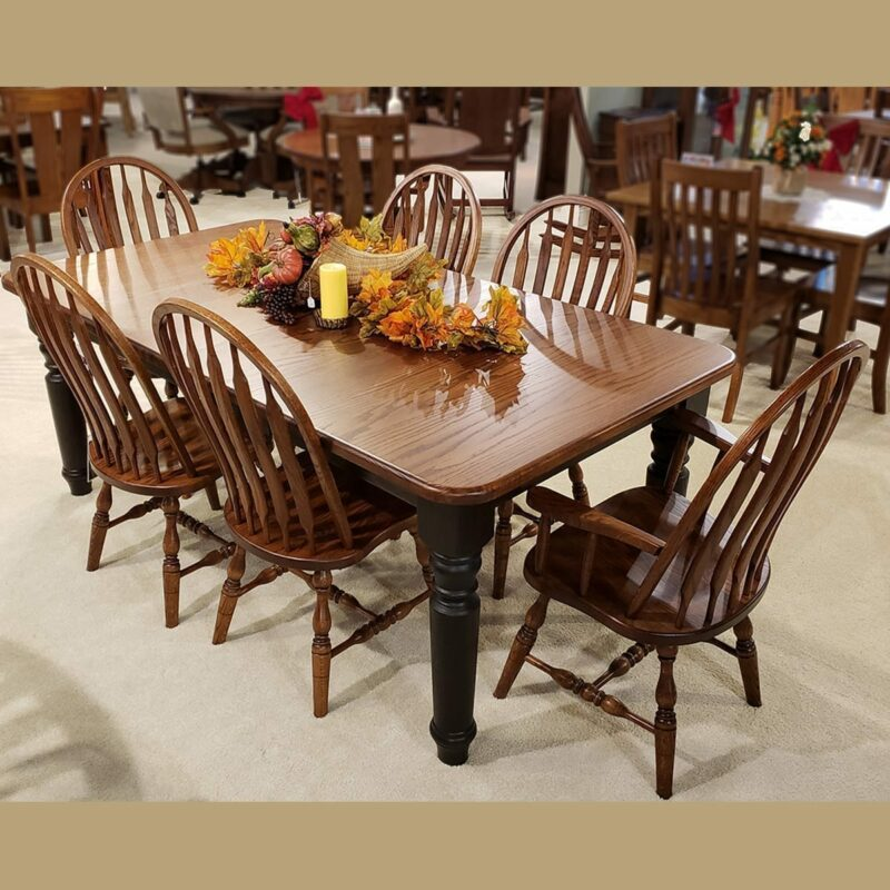 42 X 54 Berkshire Oak Table With Bent Paddle Chairs Oak Creek Amish Furniture